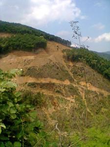 Zerfurchte Landschaften - Das Bergbauvorhaben schadet Mensch und Natur