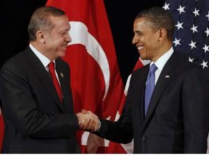 """Vier Fäuste für ein Allahu Akbar: US-Präsident Barack Obama und sein türkischer Amtskollege Tayyip """"Teargas"""" Erdogan"""
