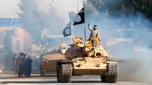 Modernstes Gerät: Kämpfer des islamischen Staates auf Panzern im Irak