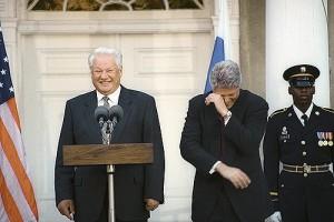"""""""1989 sind wir alle gescheitert"""" - Trunkenbold und Spaßmacher Boris Jelzin zu Gast bei Freunden"""