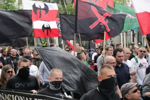1st of May demonstration organized in Warsaw by Polish autonomous nationalists (in the middle in a black shirt there is a leader of RN - Witold Tumanowicz - he shows the support for AN groups by official nationalist organizations)