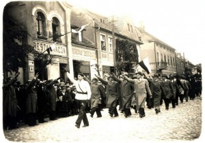 Polish nationalist march in pre-WW II period.