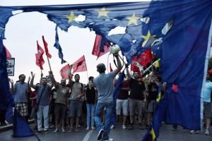 Den Bruch wagen, Deutsch-Europa die Stirn bieten. Leicht mag das nicht sein, aber was jetzt kommt, ist sicher schwerer.