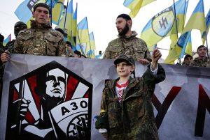 """Vorhut im """"Rassenkrieg"""": Das Neonazi-Regiment Azov"""