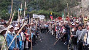 Ende Mai diesen Jahres riefen die Organisationen der Campesinos zu einem nationalen Streik auf. Bei dem Streik, der auch militant agierte, wurden 21 Menschen durch die Riot-Polizeieinheiten der ESMAD umgebracht.