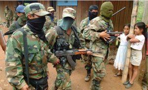 LGBTs haben in Kolumbien abseits der Linken keine Repräsentation und waren eine der größten Opfergruppen des Terrors der paramilitärischen Gruppen.